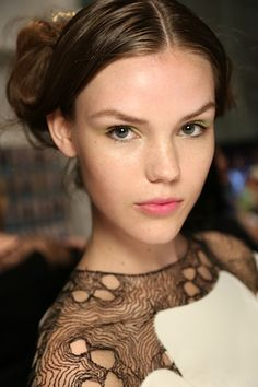 NYFW Best Makeup Trends, Spring/Summer 2014: Dewy Skin, Coral/Pink Lips, Colorful Eyes | BeautyStat.com