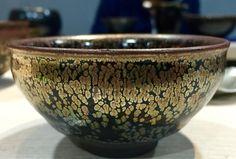"""""""雲谷山負責人 陳旭 贈與我的一只建盞 。#tenmoku #天目 #beautiful #potty #ceramics #tenmokuglaze"""""""