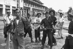 INDONESIA. Java. Solo. 1949. Indonesian guerrillas. From Magnum Photos website.