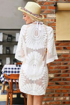 ad52a7e2c1bcce Pretty lace cover up. Definitely need this for my next beach vacation.  Bathing suit