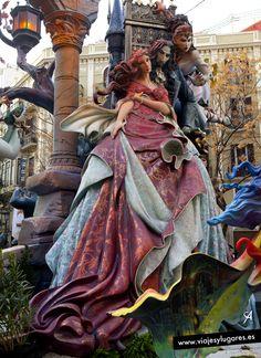 Falla Maestro Gozalbo-Conde Altea. Festivals Around The World, Places Around The World, Around The Worlds, Shri Ganesh Images, Spain Culture, Spanish Woman, Holiday Places, Spain And Portugal, Russian Art