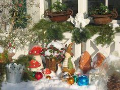 Winter-Dekorationen im Garten