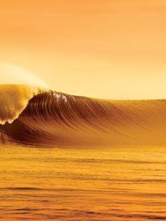 Empty Golden Peak #Surf