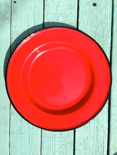 New to MammothMisc on Etsy: Red Enamelware Plate Made in Poland 26 (12.00 USD)