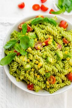 Avocado Pasta Salad recipe is a healthy summer salad that's perfect for picnics and potlucks. It has a rich creamy avocado sauce with tomatoes and corn Creamy Avocado Pasta, Creamy Avocado Dressing, Shrimp Avocado Salad, Avocado Salat, Ripe Avocado, Vegetarian Pasta Salad, Caprese Pasta Salad, Vegetarian Recipes, Healthy Recipes