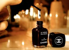 Black nail poish ~ Rouge Noir Chanel