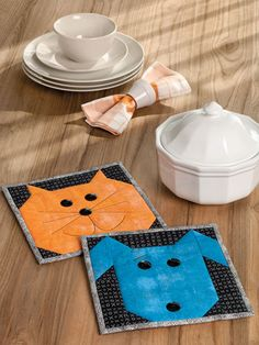 Cats and Dogs Star in These Easy Projects - Quilting Digest Dog Quilts, Cat Quilt, Animal Quilts, Baby Quilts, Cat Coasters, Quilted Coasters, Fabric Coasters, Quilting Projects, Quilting Designs