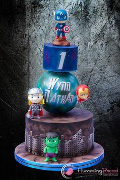 Marvel Avengers - Cake by HummingBread