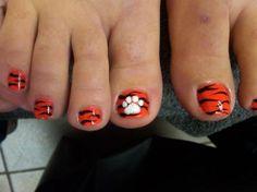 Tiger stripe nail art perfect for tournament time neat clemson toenail polish design tiger stripe prinsesfo Image collections
