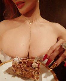 例えば…、おやつ達のカロリーは、と「叶流食べるタイミングダイエット」 叶姉妹オフィシャルブログ「ABUNAI SISTERS」