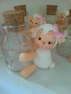 Ovejita Polymer Clay Crafts, Diy Clay, Jar Crafts, Diy And Crafts, Sheep Cake, Jumping Clay, Clay Jar, Cake Templates, Fondant Decorations