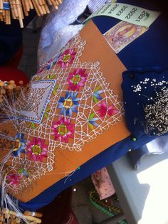Cluny type Bobbin Lacemaking, Types Of Lace, Bobbin Lace Patterns, Types Of Embroidery, Needle Lace, Lace Making, String Art, Tatting, Floral