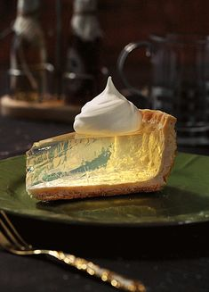 i bet you didn't expect a clear lemon pie here we will answer all Cute Food, Yummy Food, Awesome Food, Just Desserts, Dessert Recipes, Fancy Desserts, Dessert Food, Aesthetic Food, Food Design