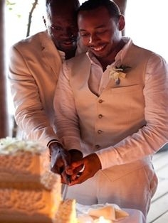 An intimate cake-cutting moment (Photo by: Adventure Wedding Photos on The Brides Cafe via Lover.ly)