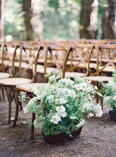 Announcing Laurie Arons' 2015 Wedding Planner Masterclass Flores brancas simples: www. Wedding Ceremony Decorations, Ceremony Backdrop, Aisle Decorations, Wedding Ceremony Flowers, Decor Wedding, Centerpieces, Star Wedding, Wedding 2015, Wedding Bells