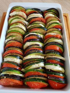 Ratatouille. – Lorelley.blog Dinner Recipes For Kids, Healthy Dinner Recipes, Vegetarian Recipes, Cooking Recipes, Baked Vegetables, Veggies, Good Food, Yummy Food, Healthy Baking
