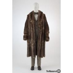 "Raccoon coat, c.1924, USA, Gift of Ambassador Joseph Verner Reed. Collection of The Museum at FIT #TurnofStyle / One of the best-remembered college fads in American history is the craze during the 1920s for the raccoon coat. Where and when it all began continues to be a subject of debate, but as early as the fall of 1923, the Princeton newspapers reported that raccoon coats were ""as thick as flies"" on campus."