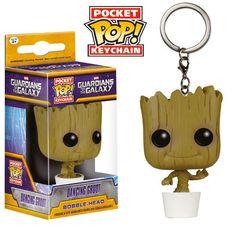 Llavero Dancing Groot 4 cm. Guardianes de la Galaxia. Línea POP! Pocket. Funko  Si eres un fan de la película de la factoría Marvel Guardianes de la Galaxia no te pierdas este estupendo y útil llavero fabricado en vinilo del personaje del gracioso árbol Groot de 4 cm, un complemento ideal para tus llaves.