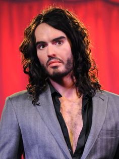 Russell Brand wax figure unveiling at Madame Tussauds ~ http://photos.posh24.com/p/979197/z/russell_brand/russell_brand_wax_figure_unvei.jpg