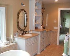 double vanity with center storage #bathroom