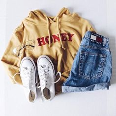 Women hoodie outfit - Outfits With Hoodies 40 Ideas How to Wear Hoodies for Women – Women hoodie outfit Teenage Outfits, Teen Fashion Outfits, Girl Outfits, Trendy Fashion, Sport Fashion, Outfits 2016, Fashion Vintage, Fashion Fashion, Grunge Hipster Fashion