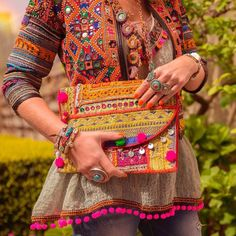 Ideas hat fashion street boho for 2019 Boho Chic, Bohemian Mode, Hippie Chic, Hippie Gypsy, Afghan Clothes, Afghan Dresses, Kurta Designs, Outfits With Hats, Boho Outfits