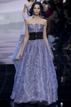 Gorgeous Strapless Lilac Evening Gown with a Black Waist Line - Armani Privé Spring 2016 Couture Fashion Show