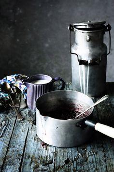 Pratos e Travessas: Gelado de iogurte e bagas azuis   Yogurt and berries ice cream   Food, photography and stories