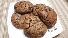 Soft cookies σοκολάτας Cookies, Chocolate, Desserts, Food, Crack Crackers, Tailgate Desserts, Deserts, Chocolates, Eten