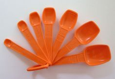 Vintage Set of 7 Tupperware Measuring Spoons in Orange Orange Things, Vintage Tupperware, Measuring Spoons, Nostalgia, Conditioner, Childhood, Etsy, Color, Infancy