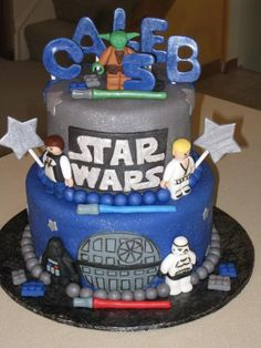 Someday in a galaxy far, far away, I too will learn how to make amazing cakes using fondant icing...