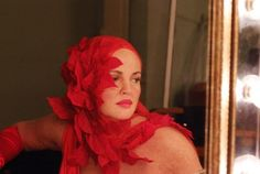 Drew Barrymore wearing a fabulous headpiece in the Grey Gardens remake. Edie Bouvier Beale, Edie Beale, Edith Bouvier, Grey Gardens 2009, Gray Gardens, Drew Barrymore, Period Costumes, Great Movies, Costume Design