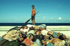 """""""Siempre es tranquilizador que el mal sea producto del diablo. El diablo siempre es otro. En cambio, los zombies somos nosotros. Es la reducción al mínimo común denominador de los derechos humanos, de la democracia y la globalización: por fin, somos todos iguales"""". Apocalipsis zombie. Por Pepe Rojo."""