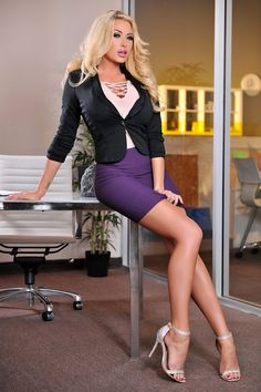Office girls, business women, working girls and secretaries. Women to dream with //--// Chicas de oficina, mujeres de negocio y secretarias. Sexy Outfits, Cute Outfits, Brielle Taylor, Blond, Summer Taylor, Summer Brielle, Glamour, Girl Fashion, Womens Fashion