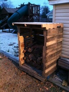 Palette firewood storage. Thinking it'd work for trash cans too Free WoodCraft Information http://www.woodprofits.com/?hop=megairmone