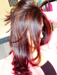 Light brown highlights on dark hair. Love.
