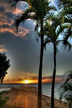 Kahana Maui Sunset along the beach