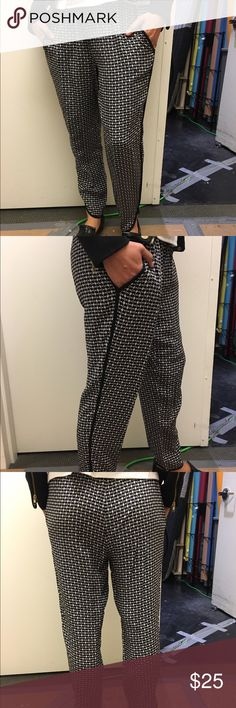 Joe Fresh silk patterned pant with pockets Joe Fresh silk printed pants with pockets!Comfy and cute! Elastic waist with drawstring. Dress them up with heels or be cool and casual in flats or sneakers! 100% silk Joe Fresh Pants Trousers