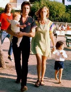 Mom style icon - Linda McCartney #mumu #dress #mom #momstyle