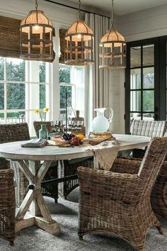 simple & neutral fall farmhouse dining room | dining room table