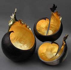 Stunning! art by Kay Lynne Sattler <3. Kay Lynne Sattler makes pit fired coil pots with gold leaf.  Inspired by the volcanic forms of her home in Hawaii.