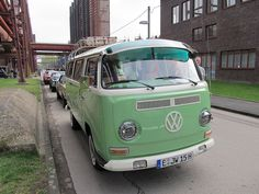 VW Bus. Classic Car Garage, Old Classic Cars, Volkswagen Type 2, Vw T1, Vw Kombi Van, Event Photo Booth, Busa, Old School Cars, Vw Camper