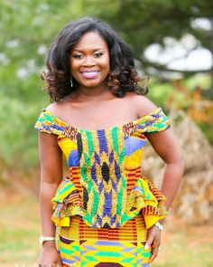 Kente Fabric Designs: See These Kente Styles For Fashionable Ladies - Lab Africa African Wear, African Dress, African Fashion, African Style, Star Fashion, Fashion Beauty, Fashion Show, Womens Fashion, Hello December