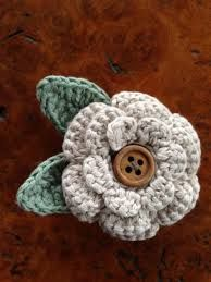 crochet flower brooches - Google Search