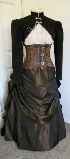 Steampunk waist accentuator