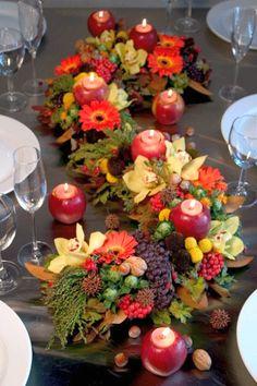 Creative Thanksgiving Day Table centerpiece