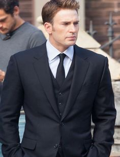Chris Evans Begins Filming 'Captain America: Civil War' - First On Set Photos!: Photo Chris Evans looks so dapper in his suit with a clean shaven face on the set of Captain America: Civil War on Wednesday (May in Atlanta, Ga. Steve Rogers, Steven Grant Rogers, Capitan America Chris Evans, Chris Evans Captain America, Iron Man, Captain Rogers, Emily Vancamp, Anthony Mackie, Robert Evans