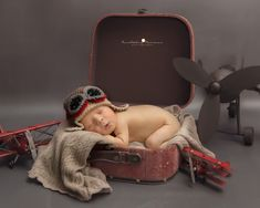 Miami Newborn Photographer, baby aviator set, vintage photo sessions, Breathtaking Memories Photography, Newborn baby boy ideas, aviator ideas