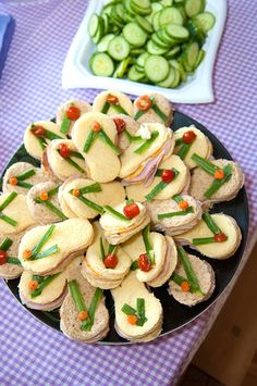 The idea for the sandwich is so cute, no recipe or direction to make sandwich. great ideas for a spa party.: The Enchanted Spa Party Flip Flop styled sandwiches . Cute Food, Good Food, Yummy Food, Beach Meals, Tea Sandwiches, Finger Sandwiches, Cucumber Sandwiches, Snacks Für Party, Beach Themed Snacks