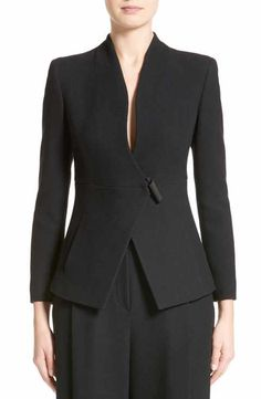 Armani Collezioni for Women: Clothing & Accessories Suit Fashion, Work Fashion, Fashion Outfits, Suits For Women, Jackets For Women, Armani Suits, Mode Chic, Tailored Jacket, Coat Dress